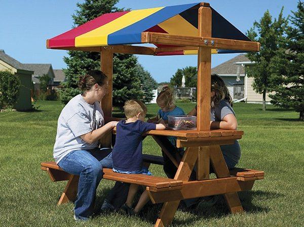1434749381_58D-Cozy-Picnic-Table